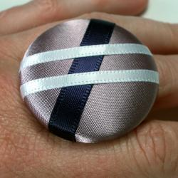 Cocktail Ring - Prom Queen - Extra Large Button